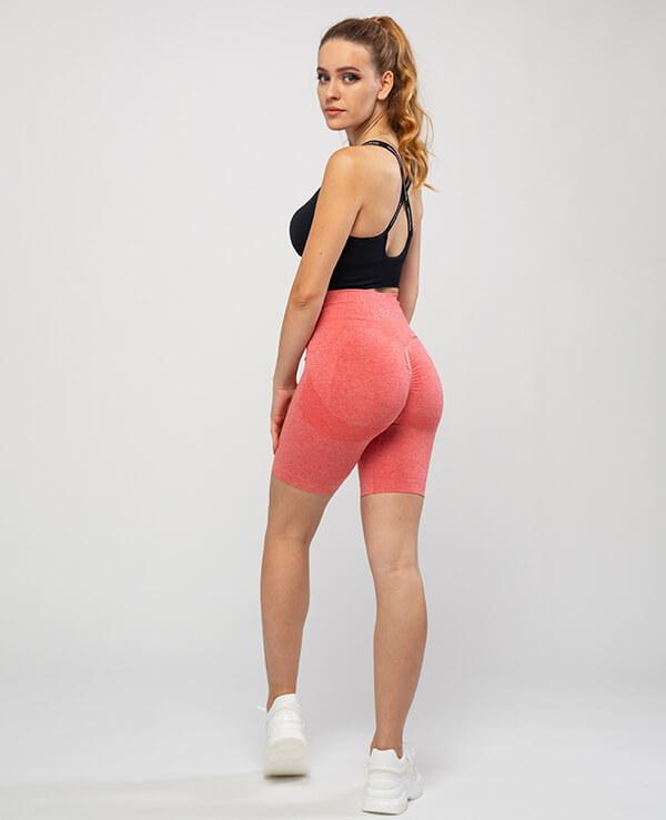 Kratke-legice-Leona-dizajn-modeli-Oblikujejo-postavo-Za-sproscene-treninge