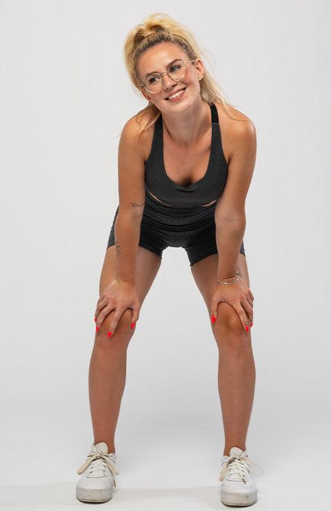 Kratke pajkice Leona - športni komplet za rekreacijo. Zanesljivo udobje na fitnesu.